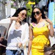 Les jumelles Tia et Tamera Mowry de la série  Sister, Sister  dans les rues de West Hollywood le 7 avril 2010