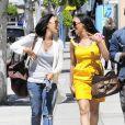 Tia et Tamera Mowry de la série  Sister, Sister  dans les rues de West Hollywood le 7 avril 2010