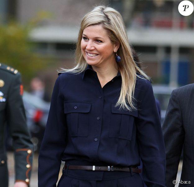 """La princesse Maxima des Pays-Bas à l'école Amalia de Zoetermeer le 14 novembre 2012 pour la 3e édition de la Semaine de l'argent (Week van het Geld"""")."""