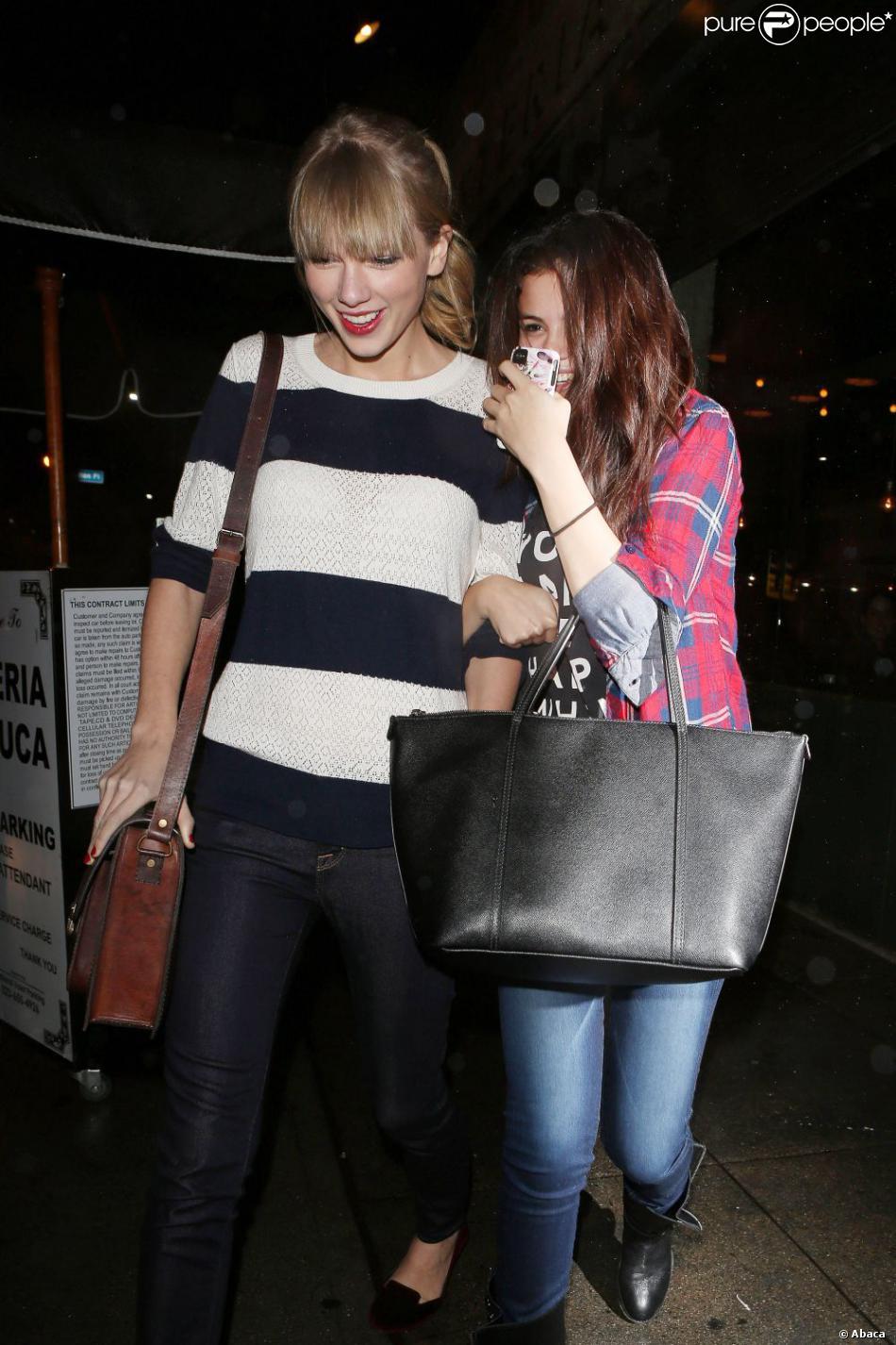Selena Gomez et Taylor Swift passent la soirée ensemble à Los Angeles, le 17 novembre 2012.