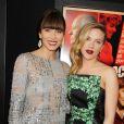 Jessica Biel et Scarlett Johansson posent ensemble sur le tapis rouge du film  Hitchcock , à New York, le 18 novembre 2012.