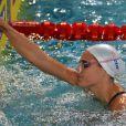 Laure Manaudou s'est offert sa première medaille internationale depuis quatre ans en remportant l'argent sur le 100 m dos à l'Euro-2012 en petit bassin à Chartres, le 23 novembre 2012