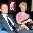 En février 2004 : Anna Nicole Smith et son avocat Howard K Stern