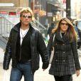 Jon Bon Jovi se promène main dans la main à New York avec sa femme Dorothea le 29 novembre 2012.