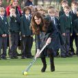 La duchesse de Cambridge, Kate Middleton lors d'une visite à St Andrew's le 30 novembre 2012