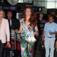 Delphine Wespiser s'envole pour le concours Miss Monde le 19 juillet 2012 à Roissy