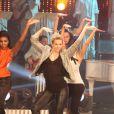Lorie danse et chante à l'enregistrement de l'émission 'Les Années bonheur' le 6 Novembre 2012 et qui sera diffusée le 5 janvier 2013.