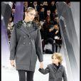 L'adorable Hudson a captivé les regards au défilé Chanel. En mars 2012