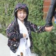 """""""Christina Aguilera, son compagnon Matthew Rutler et son fils Max Bratman, très souriant, sont allés déjeuner au restaurant Houston à Santa Monica, le 8 décembre 2012."""""""