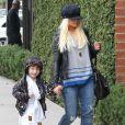 Christina Aguilera, son compagnon Matthew Rutler et son fils Max Bratman sont allés déjeuner au restaurant Houston à Santa Monica, le 8 décembre 2012.