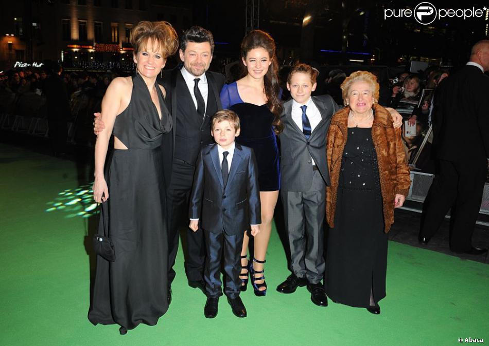 andy serkis en famille lors de lavantpremi232re royale de
