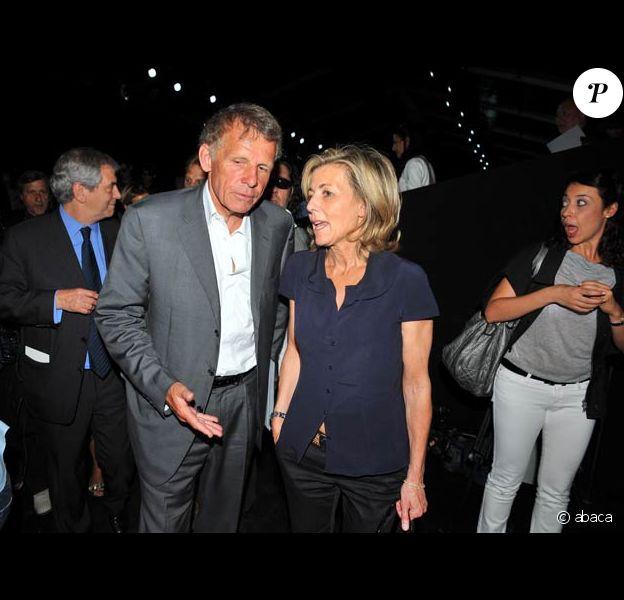 Claire Chazal et PPDA en grande discussion lors du défilé Dior, le 30/06/08