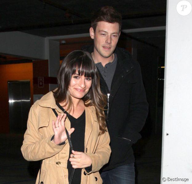 La belle Lea Michele et Cory Monteith dans les rues d'Hollywood, ont vu Argo de Ben Affleck le 18 décembre 2012.