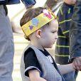 Exclusif - L'adorable Harlow, 3 ans, tient sa mère Nicole Richie par la main en quittant l'EL Rey Theater. Los Angeles, le 19 décembre 2012.