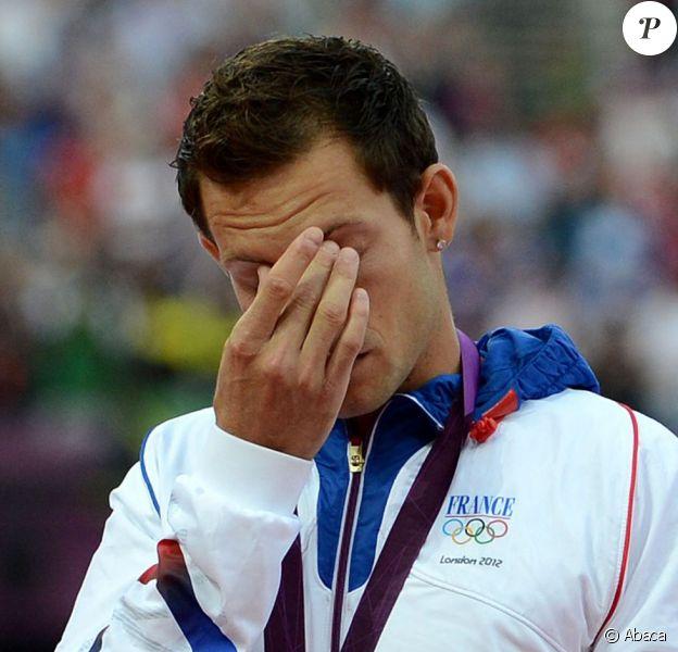 Reanud Lavillenie lors de la cérémonie de remise des médailles le 11 août 2012 lors des Jeux olympiques de Londres
