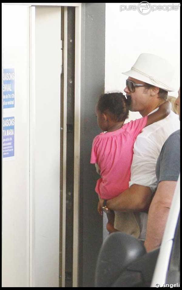 Brad Pitt et Zahara arrive à la fondation de Lenval