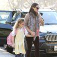 Jennifer Garner offre à sa fille Violet une séance shopping à Los Angeles, le 8 janvier 2013