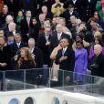 Beyoncé chante The Star Spangled Banner, l'hymne national américain lors de l'investiture de Barack Obama dont elle recevra les chaleureuses félicitations et un baiser, le 21 janvier 2013 à Washington