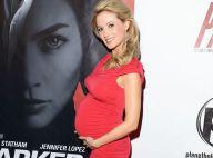 Holly Madison : Très enceinte, la pin-up Playboy écume fièrement les soirées