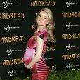 Holly Madison, enceinte, lors de l'inauguration d'un restaurant au Wynn Encore Hotel de Las Vegas le 17 janvier 2013.