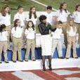 Jennifer Hudson a chanté en compagnie du coeur de l'école de Sandy Hook, lors de la finale du Super Bowl, à la Nouvelle-Orléans le 3 février 2013.
