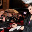 Anne Hathaway lors de l'avant-première du film Les Misérables à Paris sur les Champs-Elysées le 6 février 2013