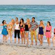 Nabilla, Amélie (Secret Story 4), Benjamin (La Belle et ses princes), Thomas (Secret Story 6), Capucine (Secret Story 6), Alban (The Voice), Marie et Frédérique (Koh-Lanta), Aurélie et Samir (Iles des Vérités) et les deux anges anonymes sur une plage de Miami pour le tournage de la cinquième saison des Anges de la télé-réalité le 22 janvier 2013