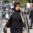 Kim Kardashian, enceinte et très en beauté, se rend au Fairmont Miramar Hotel pour une conférence sur les médias sociaux suivie d'un déjeuner au restaurant Stanley's. Los Angeles, le 6 février 2013.