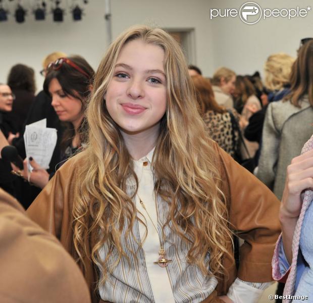 Anais gallagher 13 ans fille de noel gallagher star de - Jolie fille ado ...