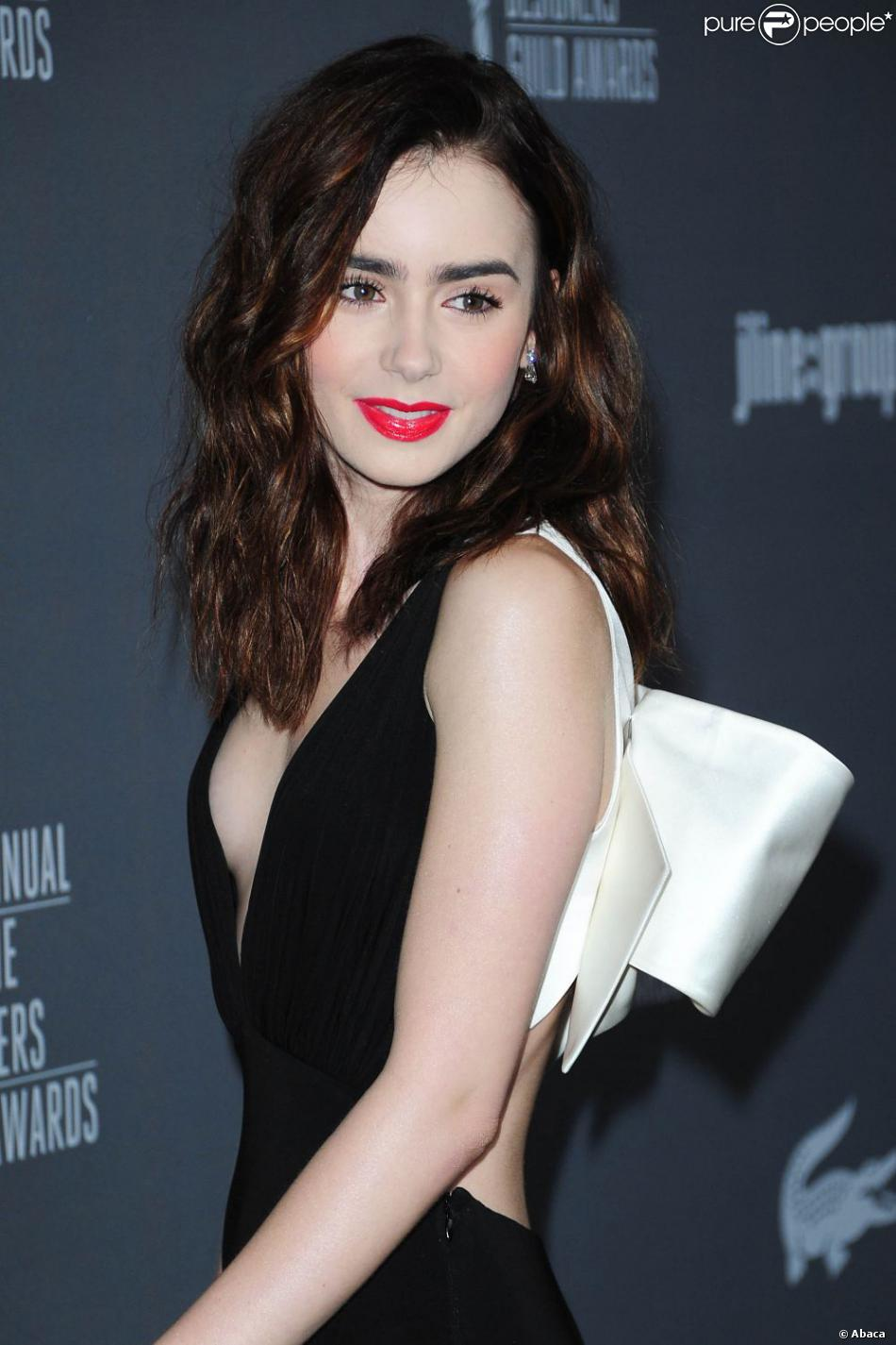 Lily Collins lors de la 15e édition des Costume Designers Guild Awards à Los Angeles le 19 février 2013