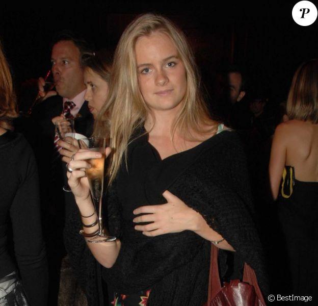 Cressida Bonas, petite amie du prince Harry, prise en photo en 2006 lors de la première de Dirty Dancing à Londres.