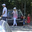 Elin Nordegren, ex-épouse de Tiger Woods, avec leurs enfants Sam et Charlie le 9 juillet 2012 à Stockholm.