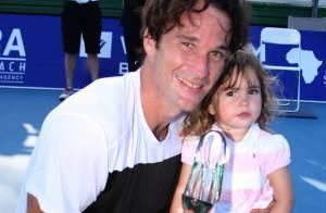 Carlos Moya : Un bonheur simple, partagé avec sa belle Carolina et ses enfants