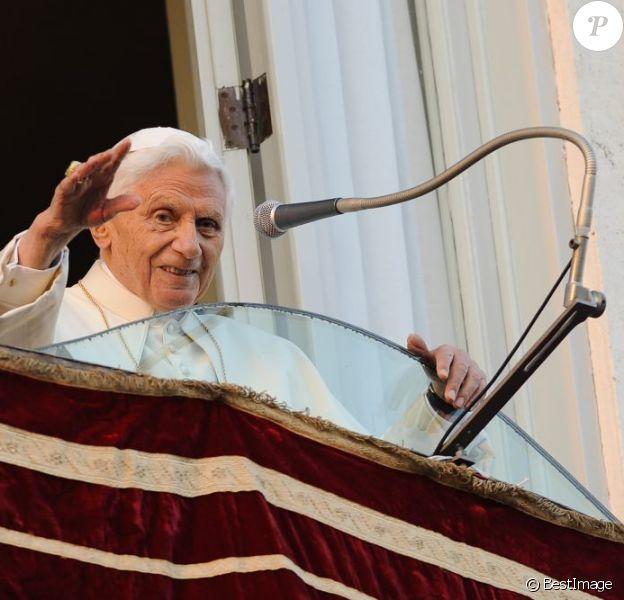 Dernier salut de Benoît XVI àCastel Gandolfo en Italie, le 28 fevrier 2013.