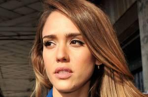 Fashion Week : Jessica Alba, ravissante et matinale pour le défilé Kenzo