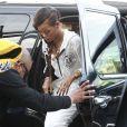 Rihanna arrive à l'aéroport de Los Angeles pour prendre un vol à destination de Londres. Le 3 mars 2013.