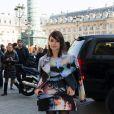La rédactrice mode freelance Miroslava Duma arrive place Vendôme pour assister au défilé Giambattista Valli. Paris, le 4 mars 2013.