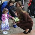 La duchesse de Cambridge, Kate Middleton, enceinte, se rend au Fishing Heritage Centre à Grimsby le 5 mars 2013.