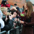 La duchesse de Cambridge, Kate Middleton, enceinte et détendue se rend au Fishing Heritage Centre à Grimsby le 5 mars 2013.