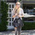 Whitney Port quitte un salon de manucure à Los Angeles, le 25 juillet 2012.