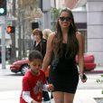 La La Vasquez Anthony et sa nouvelle silhouette accompagne son fils Kiyan à Beverly Hills le 18 mars 2013