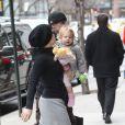 Pink en famille dans les rues de New York, avec son mari Carey Hart et leur fille Willow, le 21 mars 2013.