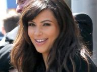 Kim Kardashian : Sourire et ventre rond face à la sensualité de sa soeur Khloé