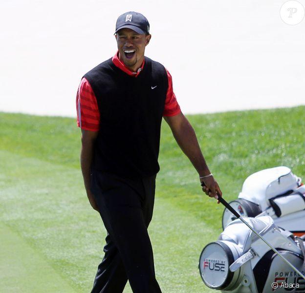 Tiger Woods remporte l'Arnold Palmer Invitational à Orlando, le 25 mars 2013 et redevient numéro mondial.