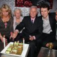 Michel Hidalgo entouré de ses deux soeurs Marie-Ange et Carmen, de son fils Emmanuel et de son neveu Aurelien lors d'une soirée au Palais Maillot à Paris le 25 mars 2013- Exclusif