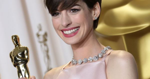 Anne Hathaway - Premire du film The Intern Londres Le
