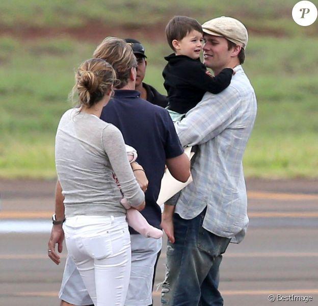 Gisele Bündchen arrive en famille sur l'île de Hawaï en février 2013