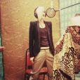 """Tony Kanal, bassiste de No Doubt, a posté cette photo de Gwen Stefani en studio avec pour légende : """"Making music @gwenstefani @nodoubt"""". Signe que le groupe travaille sur un nouveau projet."""