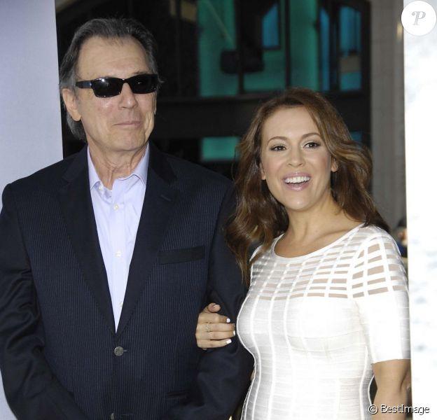"""Alyssa Milano et son papa Thomas M. Milano à l'avant-première du film """"42"""" à Los Angeles, le 9 avril 2013."""