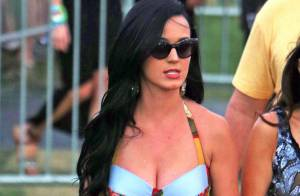Katy Perry laisse exploser sa sensualité en bikini et mini-jupe à Coachella